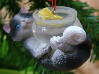 New Curious Cat Play Kitty Fish Bowl Christmas Ornament