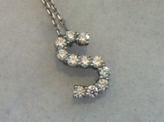 Mizrahi vs VVS E F Platinum Diamond Lazare ID Necklace
