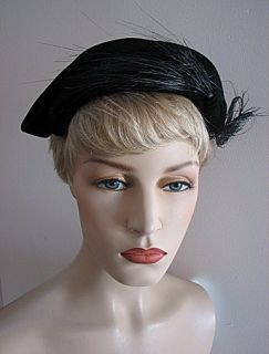 Ladies Vintage Black Hat w Side Feather Plume 739