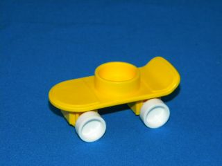 Fisher Price Play Family Little People #2550 School SKATEBOARD VGC