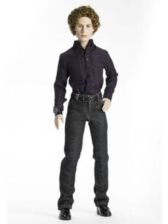 Twilight New Moon Jasper Hale 18 Tonner Doll 10216