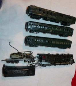 Vintage American Flyer Gilbert Train Cars Engine 2764 8302 Army Green