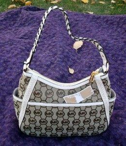 Michael Kors Handbag Whipped Hobo Monogram Vanilla Top Zip Medium $248
