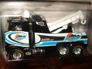 Hot Wheels Treasure Hunt Set NASCAR Wreckers New