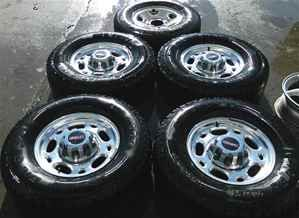 99 10 Chevy GMC 16 Alum Wheels Rims Tires Set w Spare