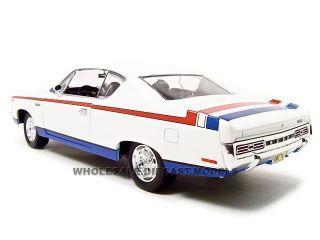 1970 AMC Rebel White 1 18 Diecast Model