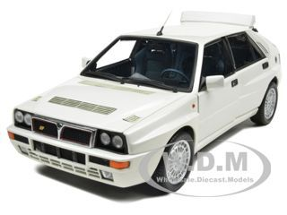Lancia Delta HF Integrale Evoluzione 2 Pearl White 1 18 Model by