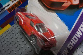 Hot Wheels Red Ferrari Enzo Diecast Vehicle HW Showroom Series 178 250