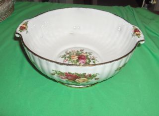 Vintage 1962 Royal Albert Bone China Old Country Roses Fluted Serving