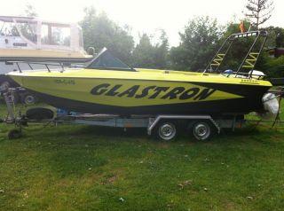 Sportboot Glastron 184V mit 5,7l Ford V8 Motor