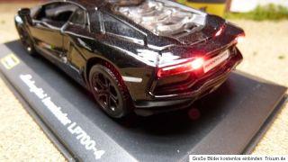 Lamborghini Aventador LP700 4 mit Beleuchtung Schwarz 132 Modellauto