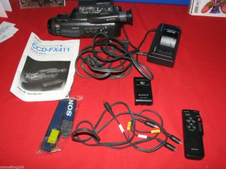 Sony Video 8 Handycam CCD FX411 with battery charger Manual & Remote
