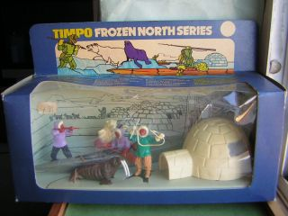 TIMPO TOYS Box No.299 Eskimo Kayak Set (54mm Plastic Figures) von 1970