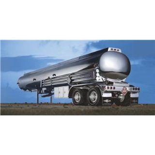 Revell 07554   Tanker Trailer   Maßstab 124 Spielzeug