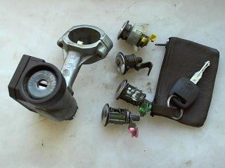 Nissan Micra (K11) Schloß set Zündschloß 1,0 Bj.07/98