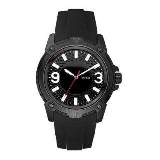 Guess Mens Black Dial Rubber Strap Watch   W10251G1 Uhren