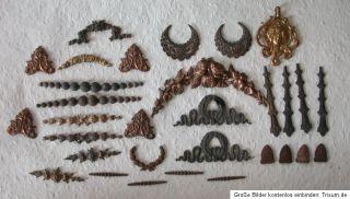 Große Sammlung orig. antike Miniatur BESCHLÄGE f. Puppenstube