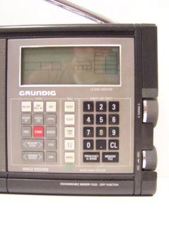 GRUNDIG Satellit 700 Rundfunkempfänger Radio Computer Controlled
