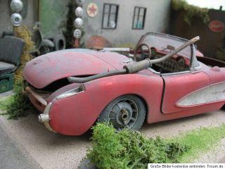 Chevrolet Corvette 1957 Chevy Scheunenfund 118 barn find Diorama