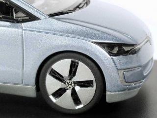 43 VW Studie Concept Car UP Lite eisblau blue Los Angeles 2009   1
