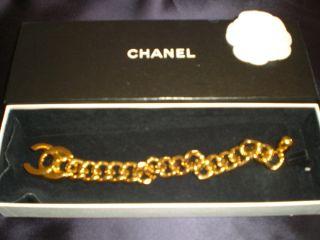 CHANEL Armband Vintage Autentic in Gold mit CC logo wie NEU jetzt 499