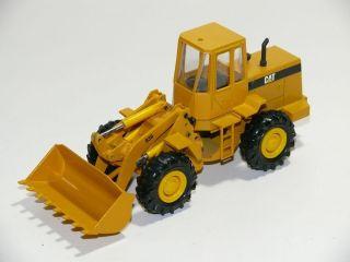 R426 } Modellauto CONRAD Bagger Radlader CAT 936   1/50 •