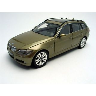 18 BMW 330i Touring   Achat / Vente MODELE REDUIT MAQUETTE BMW 1/18