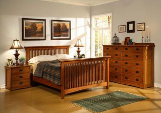 Oak 4 piece Cal King Bedroom Set w/ 12 Drawer Chest