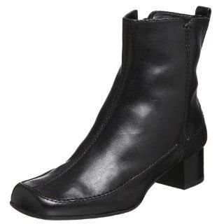 Clarks Womens Lamp Light Boot,Black,6.5 M Shoes