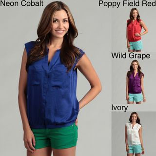 Violet & Claire Womens Two pocket Front Top