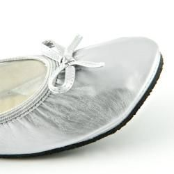 Fit In Clouds Womens Silver Patent Foldable Flats