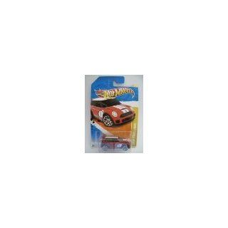 2011 Hot Wheels 30/244   New Models 30/50   Mini Cooper Challenge (Red