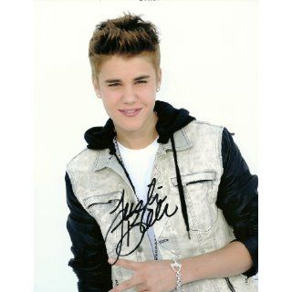 JUSTIN BIEBER SIGNED IN PERSON SUPER NICE AUTOGRAPHED 8 X