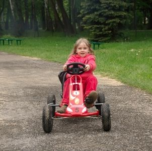 Best Reasons to Buy Your Kids Pedal Cars